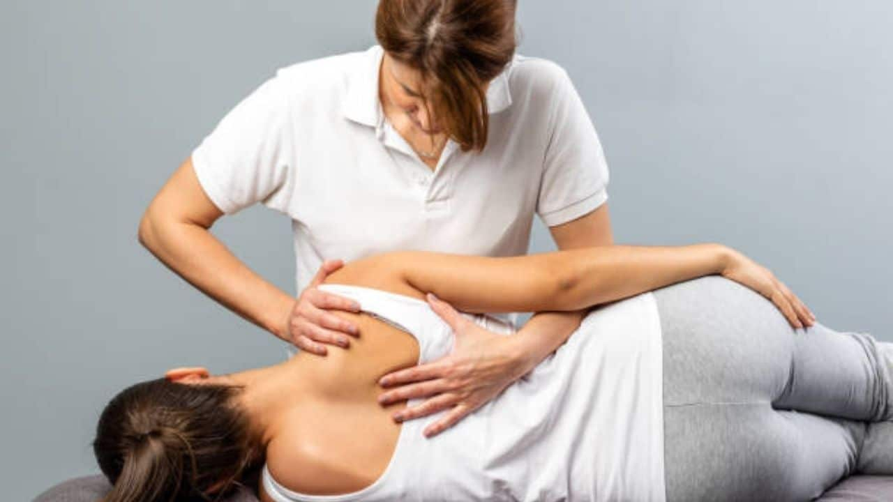 How A Chiropractor Can Help Reduce Back Pain